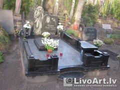 memorials_ar_skulpturu.jpg